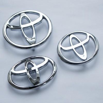 Шильдики Toyota заглушка