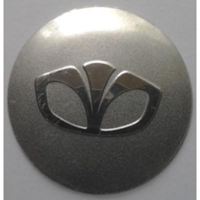 Наклейка на диск Daewoo 57 выпуклый с логотипом на колпачок колесных дисков
