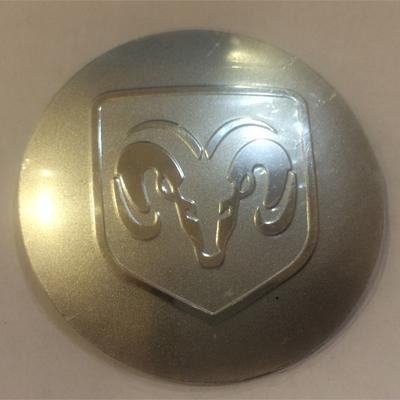 Наклейка на диск Dodge 58 выпуклый серый с логотипом на колпачок колесных дисков