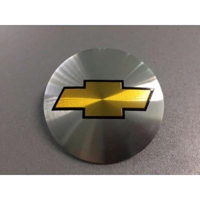 Наклейка на диск Chevrolet D56 мм (Золотистый с черной окантовкой логотип на серебристом фоне) с логотипом на колпачок колесных дисков