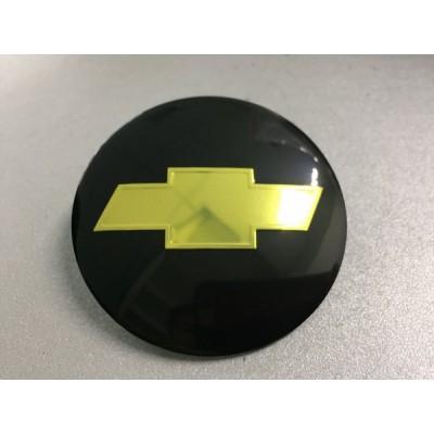 Наклейка на диск Chevrolet d56 выпуклый (Золотисый логотип на черном фоне) с логотипом на колпачок колесных дисков