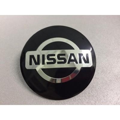 Наклейка на диск Nissan D56 алюминий (Серебристый логотип на черном фоне) с логотипом на колпачок колесных дисков