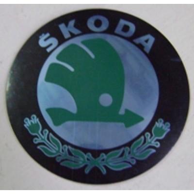 Наклейка на диск Skoda D56 (Зеленый с серебром логотип на черном фоне) с логотипом на колпачок колесных дисков